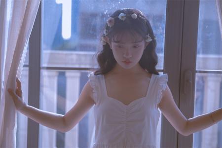 清新少女柔情似水居家浪漫写真
