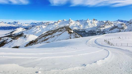 欧洲阿尔卑斯山雪景风光