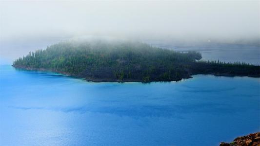 美国火山口湖自然景观